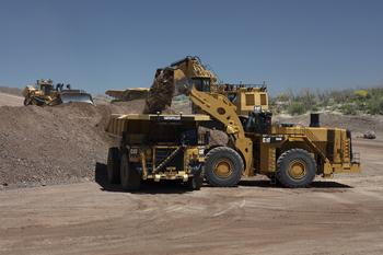Newmont Brings First Autonomous Haulage Fleet to Gold Mining Industry: https://mms.businesswire.com/media/20200219005307/en/774326/5/CAT_793_CMD.jpg