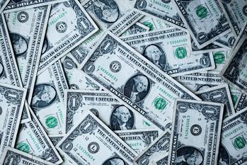 Geld, Geld, Geld: https://unsplash.com/photos/8lnbXtxFGZw