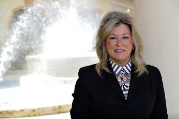 Ryder CMO Karen Jones Named a CMO Growth Award Winner: https://mms.businesswire.com/media/20191113005016/en/755804/5/Ryder_CMO_Karen_Jones_Named_a_CMO_Growth_Award_Winner.jpg