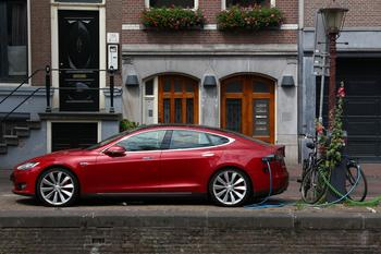 Tesla-Aktien rocken wieder – sensationelle Gewinne möglich!: https://www.sharedeals.de/wp-content/uploads/2019/10/AdobeStock_291707871_Editorial_Use_Only-min.jpeg