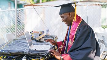 Comcast Expands Internet Essentials to Federal Pell Grant Recipients and Pledges $15 Million – in Free Internet Service and 25,000 Laptops – to Help Get Even More Americans Connected: https://mms.businesswire.com/media/20210921005360/en/908130/5/corporate_WebPublishing_InternetEssentials_TommyCollinsJr2_16x9_Thumbnail.jpg