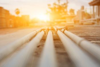 Williams Companies Turns On the Gas in Q2: https://g.foolcdn.com/editorial/images/533833/a-burst-of-sunlight-shining-on-a-pipeline.jpg