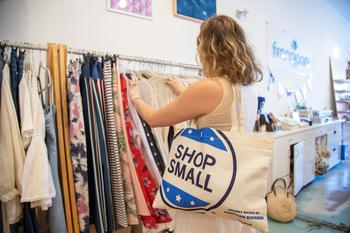 American Express' 10th Annual Small Business Saturday® Hits a Record High with an Estimated $19.6 Billion in Reported Spending: https://mms.businesswire.com/media/20191201005232/en/759727/5/Shopper_on_SBS.jpg