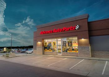 This Holiday Season, Warm Your Hearts and Your Engines at Advance Auto Parts : https://mms.businesswire.com/media/20201119005161/en/840091/5/AAP_Parker_Co_Store_crop.jpg
