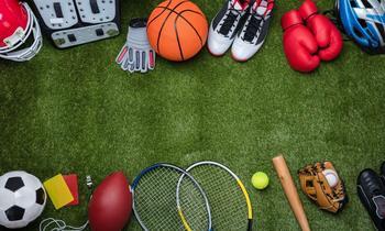Nike Aktie: Goldene Zeiten durch den Direct-to-Customer Trend?: https://aktien.guide/rails/active_storage/blobs/eyJfcmFpbHMiOnsibWVzc2FnZSI6IkJBaHBBbGNDIiwiZXhwIjpudWxsLCJwdXIiOiJibG9iX2lkIn19--6924ff2785a5395b12a8754d1f261b2fb68f5515/Nike%20Aktie%20Beitragsbild.jpg