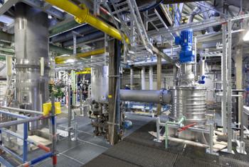 Wirecard: Aktie führt den DAX heute an, Kursziel 225 Euro?!: https://www.sharedeals.de/wp-content/uploads/2019/09/Wacker-Chemie-Farb-Lack-Produktion.png